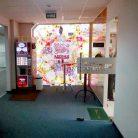 Брендирование дверей в офисе Nestle-2
